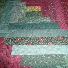 Dee's Christmas Log Cabin Quilt